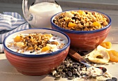 Crunchy muesli with oat flakes and dried fruit