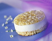 Sponge tartlet with elderflower mousse
