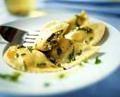 Tortelli alla veneziana (Pasta envelopes filled with parsley)