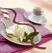 Crema bianca al panforte (cream dessert with panforte, Italy)