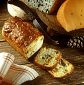 Savoury three-cheese loaf, pieces cut