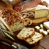 Cheese and ham loaf with mushrooms; ingredients