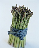 Bundle of green asparagus (standing up)