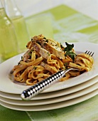 Tagliatelle al sugo di pollo (Ribbon pasta with chicken)