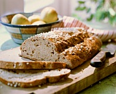 Apple bread with cinnamon and granulated sugar