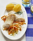 Seelachsfilet auf Frühlingsgemüse mit Salzkartoffeln
