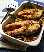 Salmon cutlets with shallots and lemon grass