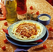 Spaghetti alla bolognese (Spaghetti with mince sauce)
