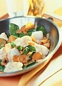 Haddock nuggets with spinach and carrots
