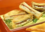 Tramezzini prosciutto e formaggio (Cheese & ham sandwich)