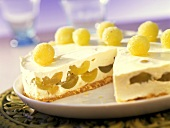 Grape cheesecake with sugared green grapes