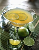 Daiquiri with lime slices