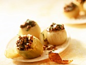 Cipolle ripiene (onions stuffed with mince, Italy)