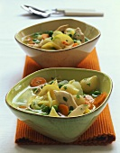 Chicken and kohlrabi stew with lemon and pasta