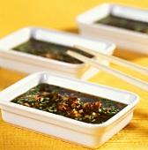 Ingwer-Dip mit Knoblauch, Koriander und Chili