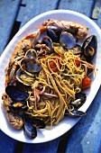 Spaghetti ai frutti di mare (Spaghetti with seafood)