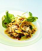 Insalata di pasta e verdure (spaghetti salad with vegetables)