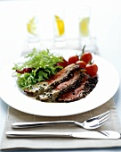 Peppered roast beef with lettuce and tomatoes