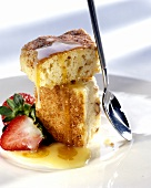 Hazelnut sponge with vanilla & honey sauce & strawberries
