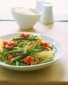 Pasta e fagiolini (Spaghetti with green beans & tomatoes)