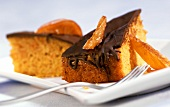 Spiced cake with pumpkin and candied oranges