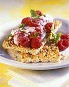 Crispbread with raspberry quark