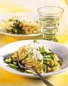 Pasta svelta (Spaghetti with green beans & kohlrabi)