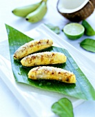 Fried bananas with grated coconut
