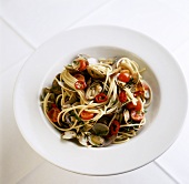 Pasta con le vongole (Spaghetti with clams & tomatoes)