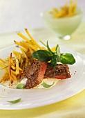 Rinderfilet mit Knoblauchsauce und Rosmarin-Kartoffelstiften