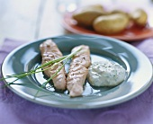 Salmon fillets with chive sour cream