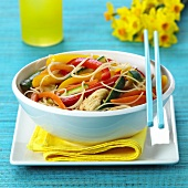 Asian noodles with peppers, courgettes and turkey