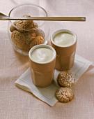 Zabaione con gli amaretti (Zabaglione with almond biscuits)