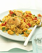 Saffron rice with chicken, peppers and mango