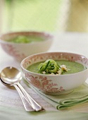Cucumber soup with crabmeat