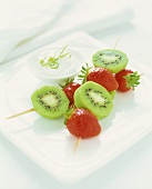 Fruit kebabs with lime yoghurt