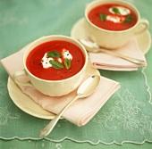 Tomatensuppe mit saurer Sahne