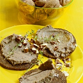Chopped liver with nuts on wholemeal bread