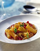 Rigatoni with creamed pepper sauce