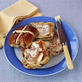 Toasted hot cross buns with butter (Easter tradition, UK)