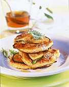 Pancakes with figs and maple syrup