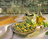 Linguine alla genovese (pasta with pesto, potatoes and beans)