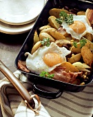 Western-style potato pan with bacon and fried egg