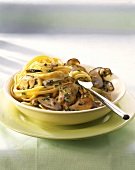 Linguine in salsa di funghi (Linguine with creamed ceps)
