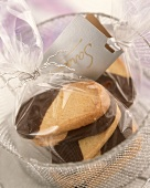 Black and white biscuits as a gift