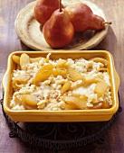 Birä-Chnöpfli gratin: baked noodles with pears (Switzerland)