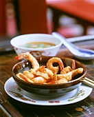 Garlic shrimps with dip