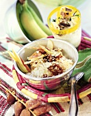 Muesli with amaranth, nuts & fruit; amaranth & quark dessert