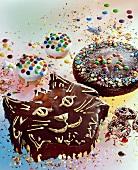 Cat cakes, muffins & chocolate cake for child's birthday