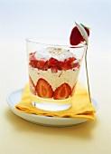 Vanilla yoghurt with strawberries and amaranth
